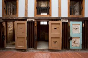 博物館網走監獄内の監房の入口の写真素材 [FYI03014747]