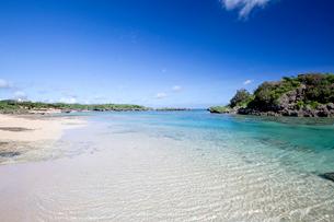 西表島の北端に位置する星砂の浜の写真素材 [FYI03014926]