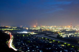 夜の水島コンビナートの写真素材 [FYI03015184]