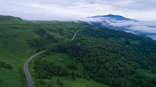 パイロット国道から眺める屈斜路湖の写真素材 [FYI03016195]