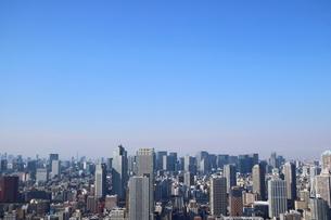 豊洲の高層タワーラウンジから見た月島方面の風景の写真素材 [FYI03018149]