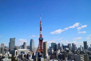 麻布十番から見える東京タワー方面の眺望の写真素材 [FYI03018175]