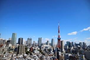 麻布十番から見える東京タワー方面の眺望の写真素材 [FYI03018180]