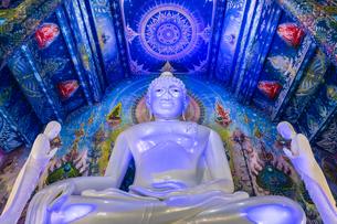 タイ チェンライ ワット・ロンスアテン(青碧寺院)の写真素材 [FYI03018308]