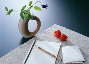和紙手帳とはがきの写真素材 [FYI03024021]
