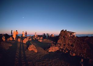 火山の山頂の写真素材 [FYI03025148]