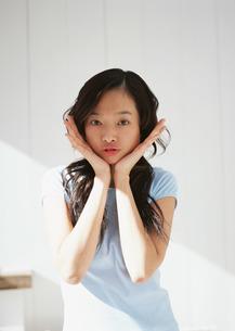女性の写真素材 [FYI03025326]