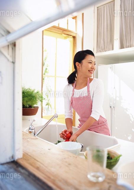 キッチンシーンの写真素材 [FYI03025592]