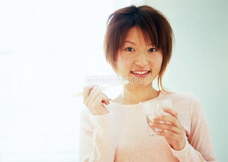 歯磨きの写真素材 [FYI03025677]