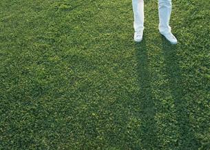 女性の足の写真素材 [FYI03027573]