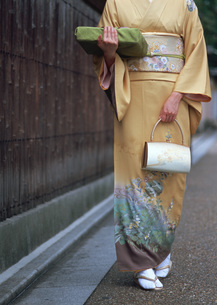 着物の女性の写真素材 [FYI03027613]