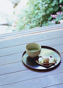 抹茶と和菓子の写真素材 [FYI03027785]