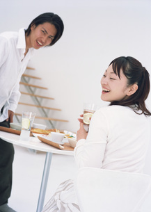 朝食とカップルの写真素材 [FYI03029183]