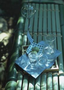 風鈴と冷水の写真素材 [FYI03031043]
