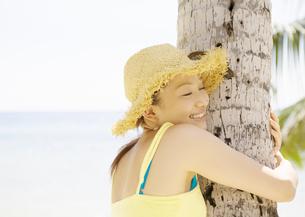 笑顔の女性の写真素材 [FYI03033168]