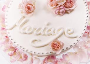 ウェディングケーキの写真素材 [FYI03033543]