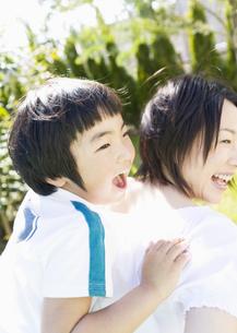 母と息子の写真素材 [FYI03034095]