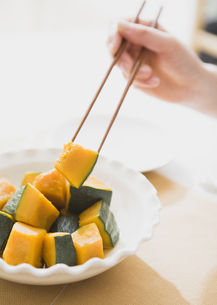 カボチャの煮物の写真素材 [FYI03034304]