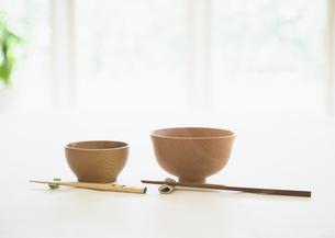 お碗と箸の写真素材 [FYI03034325]