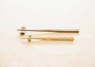 箸と箸置きの写真素材 [FYI03034327]