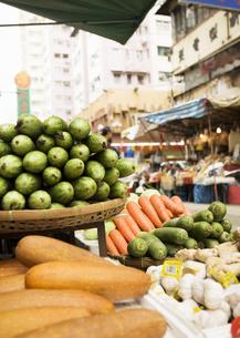香港の市場の写真素材 [FYI03034411]