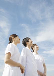 笑顔の女医と看護師の写真素材 [FYI03037466]