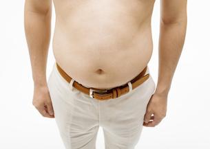太った男性の腹部の写真素材 [FYI03037619]