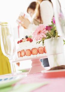 バースデーケーキの写真素材 [FYI03038040]
