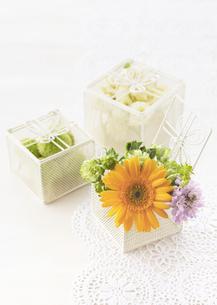 花のギフトボックスの写真素材 [FYI03038542]