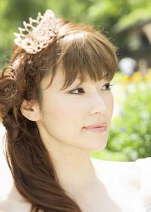 微笑む新婦の写真素材 [FYI03038679]