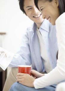 笑顔の夫婦の写真素材 [FYI03040069]