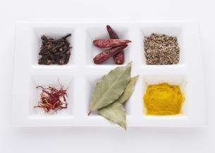 色々な香辛料の写真素材 [FYI03041438]