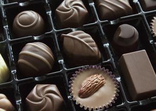 チョコレートの詰め合わせの写真素材 [FYI03043003]