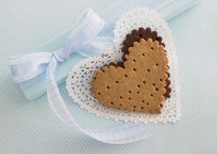 ハート形のクッキーの写真素材 [FYI03043117]