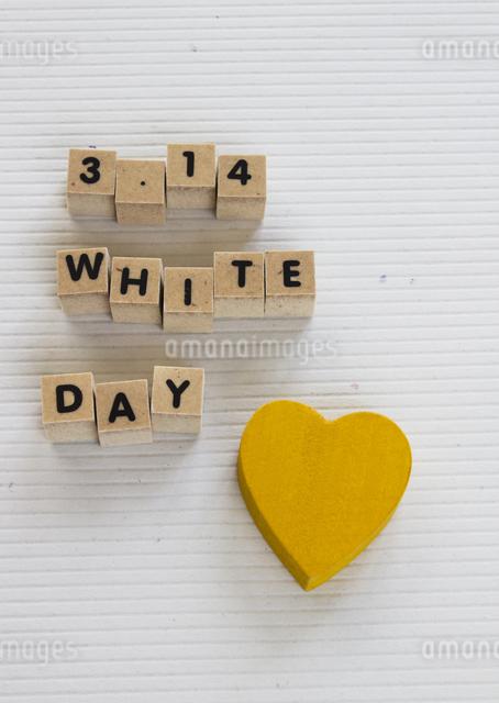 ホワイトデーイメージの写真素材 [FYI03043170]