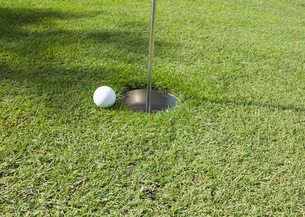 パークゴルフのホールカップの写真素材 [FYI03043361]