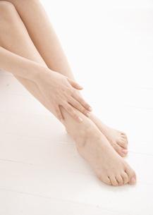 女性の足の写真素材 [FYI03045207]