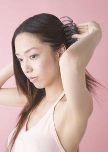 若い女性の写真素材 [FYI03045217]