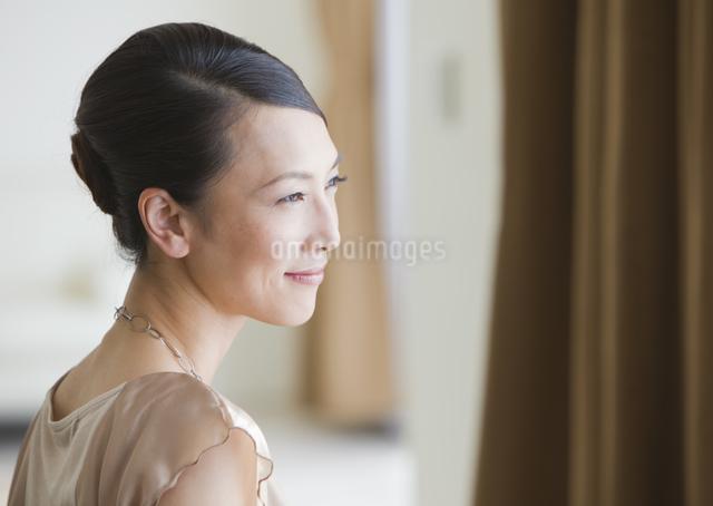笑顔の女性の写真素材 [FYI03047588]