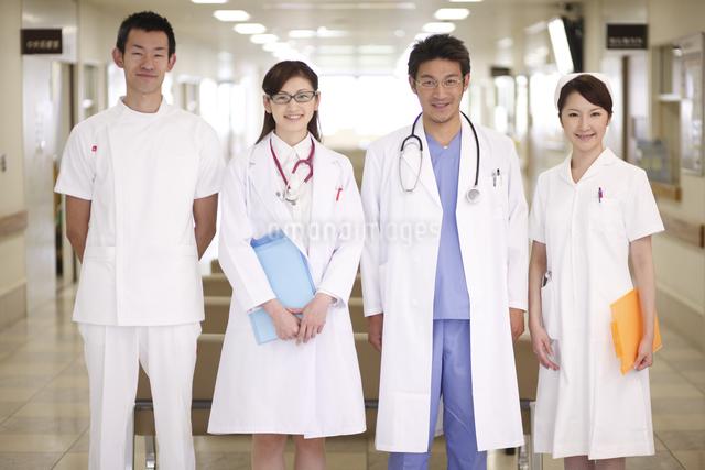 医師と看護師の写真素材 [FYI03050558]