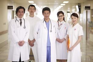 医師と看護師の写真素材 [FYI03050559]