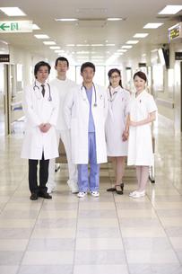 医師と看護師の写真素材 [FYI03050560]