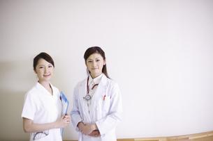 女医と看護師の写真素材 [FYI03050569]
