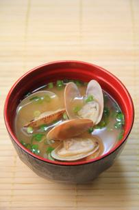 アサリの味噌汁の写真素材 [FYI03051007]