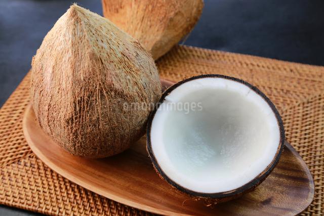 オールドココナッツの写真素材 [FYI03053131]