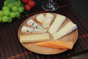 チーズボードの写真素材 [FYI03053595]