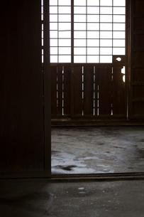 日本家屋の玄関の写真素材 [FYI03054692]