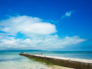 竹富島の西桟橋の写真素材 [FYI03054965]