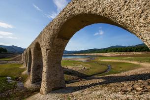 タウシュベツ川橋梁の写真素材 [FYI03055060]