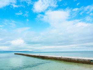 竹富島の西桟橋の写真素材 [FYI03055350]